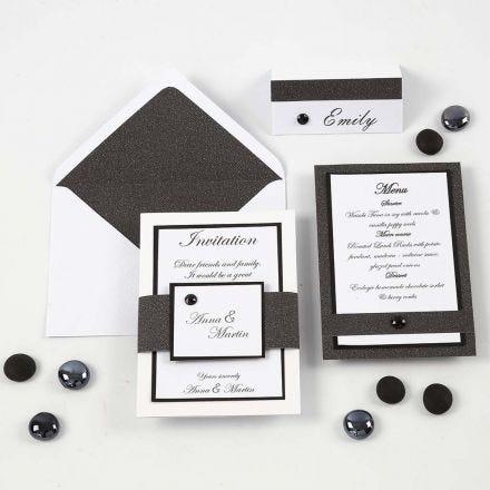 Invito, menu e segnaposto bianchi e neri