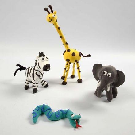 Animali della savana fatti su uno scheletro con la Silk Clay
