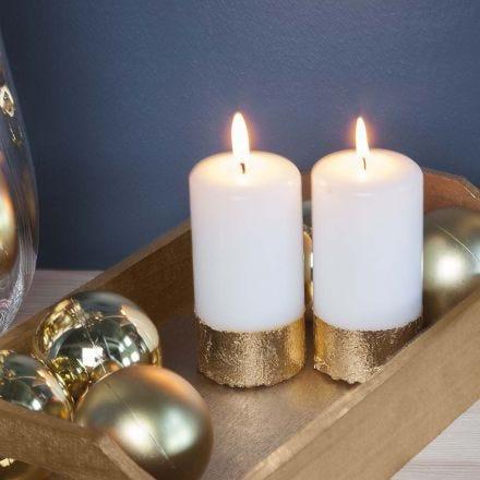 Candela cilindrica con bordo di lamina di metallo finto oro