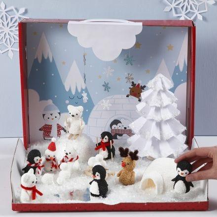 Paesaggio invernale incantato con figure in miniatura di Foam Clay