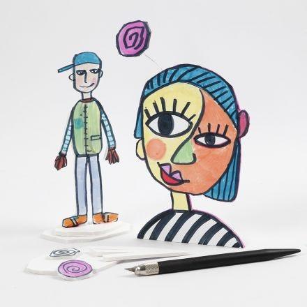 Una figura ritagliata su un pannello di gommapiuma