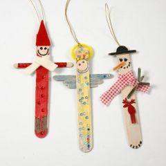 Figure di Natale da bastoncini di ghiacciolo dipinti e decorati