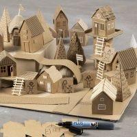 Costruisci la tua città con materiali e carte riciclati.