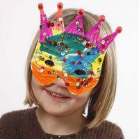Maschere di cartoncino decorate con pennarelli e lustrini