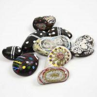 Pietre decorative con motivi colorati ed effetto luminoso