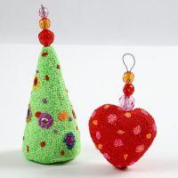 Decorazioni di Natale in polistirolo con Foam Clay e perline sfaccettate