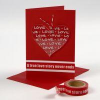 Biglietto di San Valentino decorato con un cuore di plexiglass