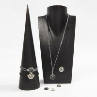 Jewellery with Cabochons in Spacer Beads
