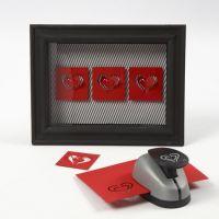 Cuori di cartoncino in una cornice 3D con vetro anteriore