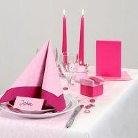 Ispirazione per la festa con decorazioni per la tavola in due tipi di rosa