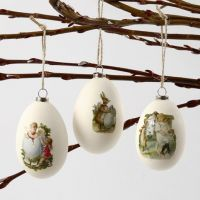 Hanging Goose Eggs with glued-on Vintage Die-Cuts