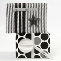 Fare pacchetti regalo con carta decorata e decorazioni Vivi Gade (serie Paris)