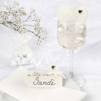 Romantiche decorazioni bianche per il matrimonio