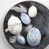 Uova di terracotta con pittura spray