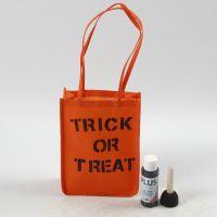 Borsa arancione per Halloween decorata con scritte
