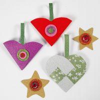 Decori natalizi glitter di carta realizzati con il materiale del Kit Decorazioni di Natale