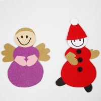 Un angelo e un folletto realizzati con modello e materiale del kit per decori di Natale