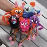 Animali fantastici di pom-pom con scovolini, decorati con feltro e Silk Clay
