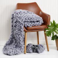 Una coperta lavorata a mano con grosso filo XL Chunky
