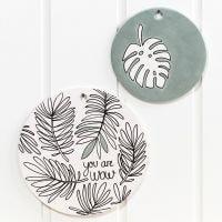 Lastre in terracotta e piatto decorato con pennarelli per vetro e porcellana e pittura Art Metal