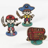 Pirati e forziere del tesoro in legno riempito di Foam Clay