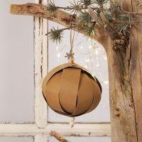 Addobbo natalizio con strisce per stelle di carta in finta pelle