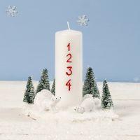 Decoro natalizio con candela, orsi polari in miniatura e alberi di Natale
