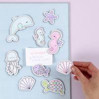 Creature marine magnetiche decorate con pennarelli