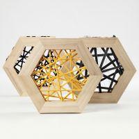 String Art con filato tubolare di cotone in cornici di legno esagonali