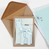 Invito per battesimo con giraffa in cartoncino e perle con lettere