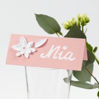 Segnaposto con fiori in cartoncino fustellati con effetto 3D