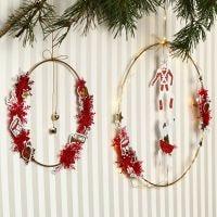 Anello di metallo decorato con campane e ritagli in cartoncino Vivi Gade