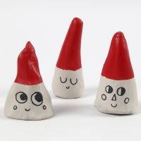 Elfi realizzati con coni di argilla autoindurente