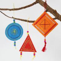 Decori pendenti colorati da ricamare