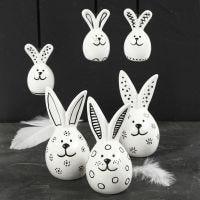 Conigli in porcellana decorati con pennarello nero per vetro e porcellana