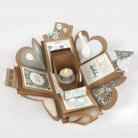 Una explosion box decorata per un compleanno