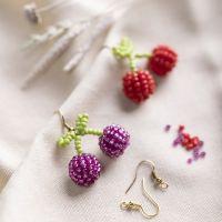 Orecchini con ciliegie realizzati con perline di semi di rocaille